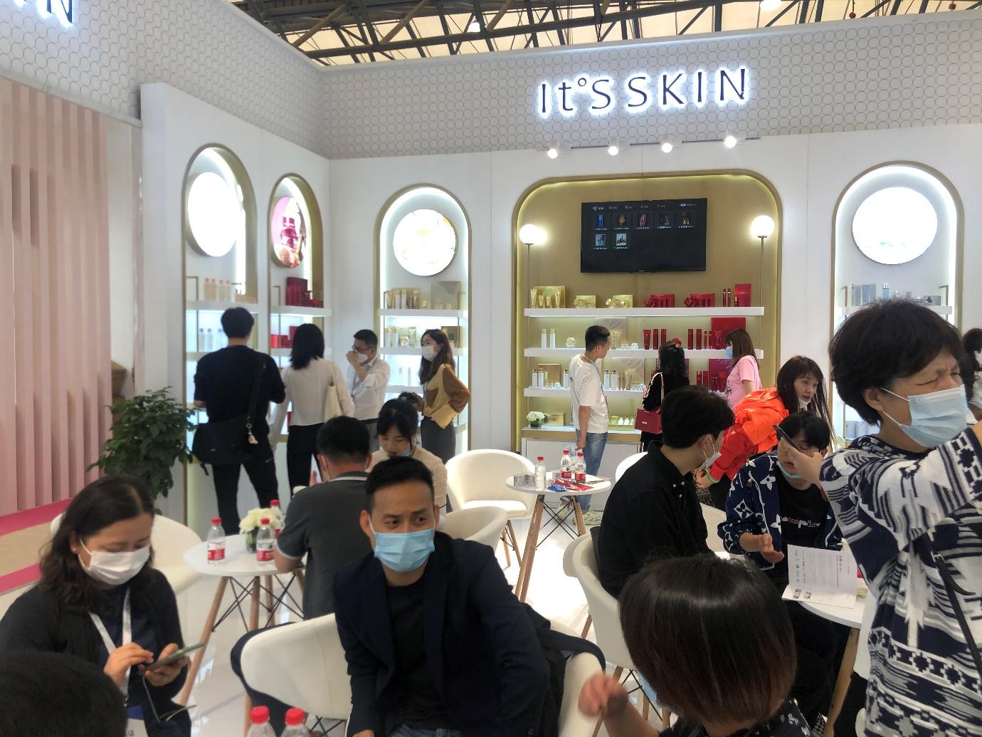 """韩国IT'S HANBUL旗下""""肤勒梅专研135微电流面霜""""深受消费者喜爱"""